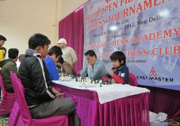 Delhi Open Dec 2011 - Akshat R8