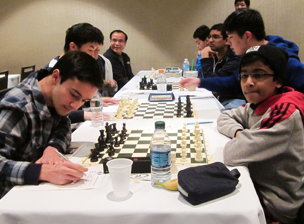 R4 : Akshat Chandra and Robert Perez