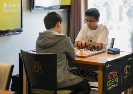 Awonder Liang playing Akshat Chandra in Round 9